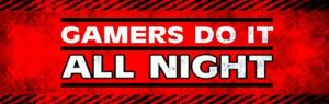 1art1® Gaming Papier Peint Photo/Poster Autocollant – Gamers Do It All Night (250 x 79 cm)