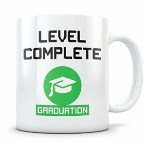 Cadeaux de remise des diplômes de joueur – Tasse de jeu vidéo pour les futurs diplômés – Nouvelle tasse de café de jeu pour hommes et femmes Meilleur ami des élèves de l'école 2018 – Diplôme drôle de