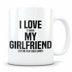 NA Cadeau de Joueur pour Petit ami – Mug drôle de Jeu vidéo pour Les Hommes en Couple – Tasse à café Gag pour Amateur de Jeux – Meilleur BF I Love My Girlfriend idée Cadeau pour Lui