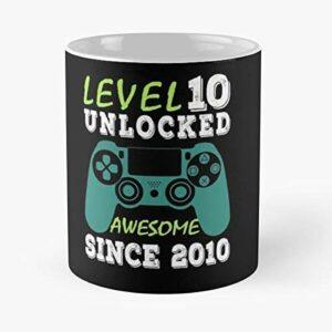 NA Level 10 Unlocked Awesome 2010 Jeu Vidéo 10e Cadeau d'anniversaire Mug Classique, 11 oz.