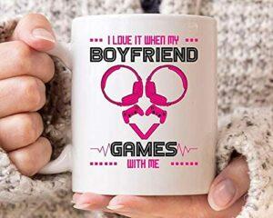 NA Je l'aime Quand Mes Jeux de Petit ami avec Moi Tasse, drôle de Jeu Tasse de café pour Gamer Femmes, Idée Mignonne Jeu Vidéo Cadeau pour Les Joueurs et Jeux