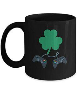 NA St Patricks Day Green Beer Fan de Jeu vidéo 11 oz Tasse à café Noir Cadeau Irish Clover Gamer